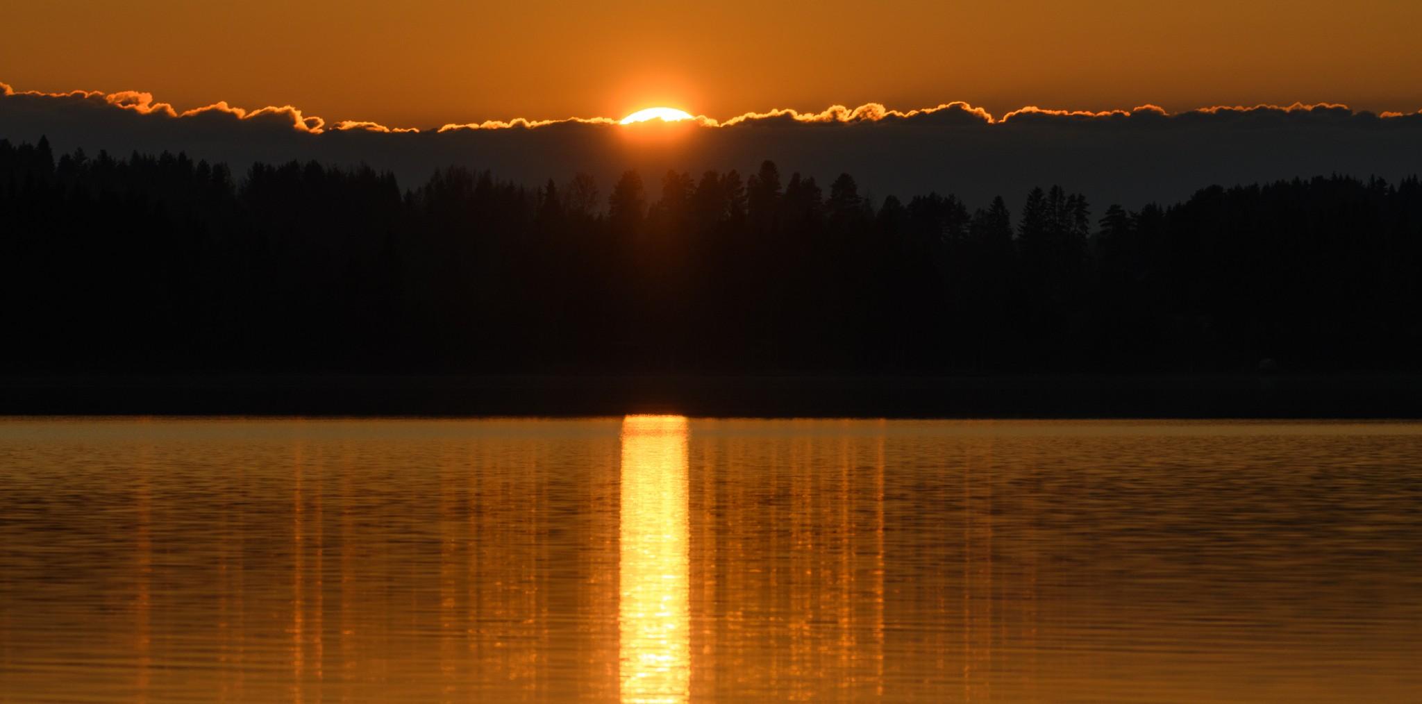 Auringonlasku valokuvaaja Leena Aijasaho